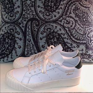 Adidas Classic Everyn